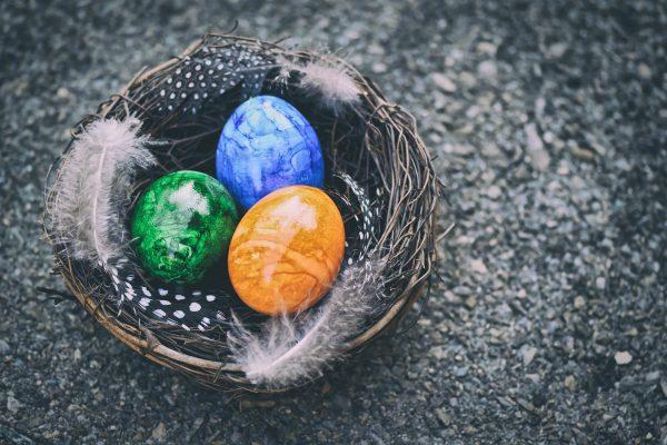 easter-eggs-5011031_1920